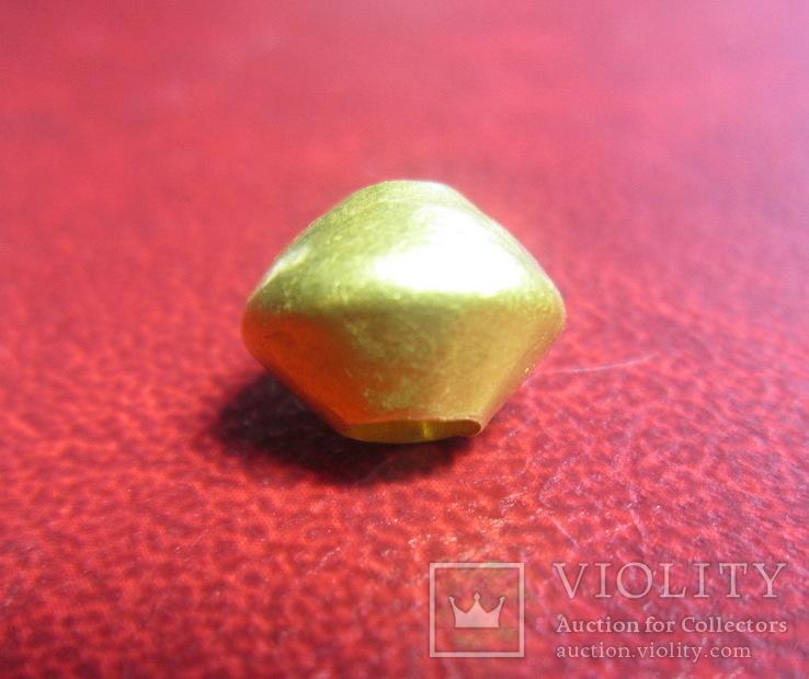 Золотая бусинка ЧК, тяжелая, вес 4,3 грамм.