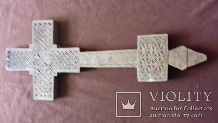 Різьблений дерев'яний хрест., фото №2