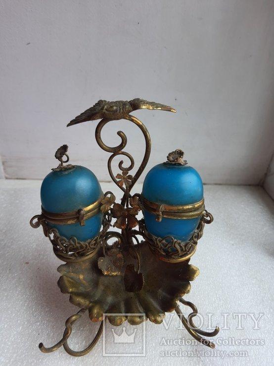 Старинный бронзовый набор для соли и перца, фото №3