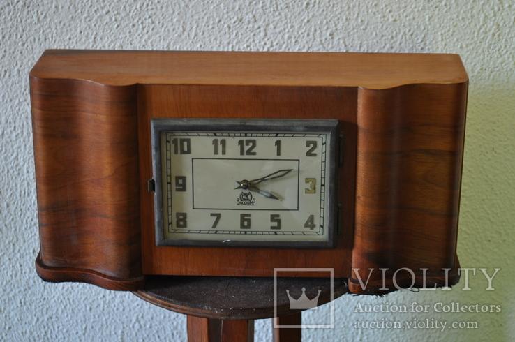 Часы настольные Владимир с боем.