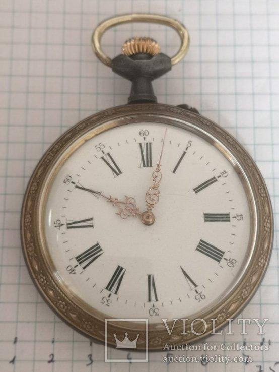 Большие карманные часы (диаметр 7 см)