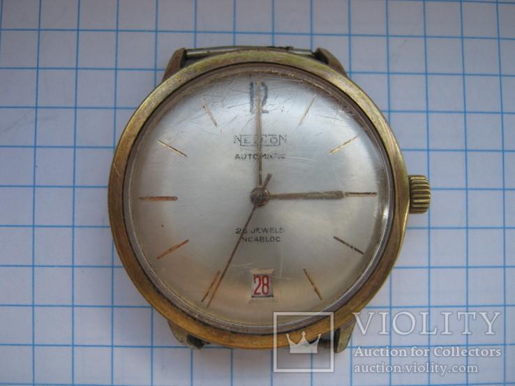 Часы NEWTON