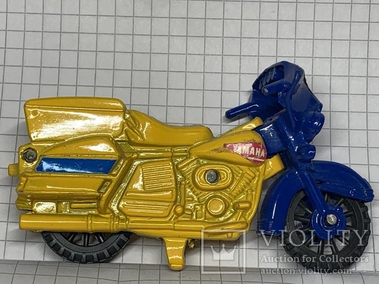 Винтажная металическая чинила для карандашей в форме мотоцикла, фото №2