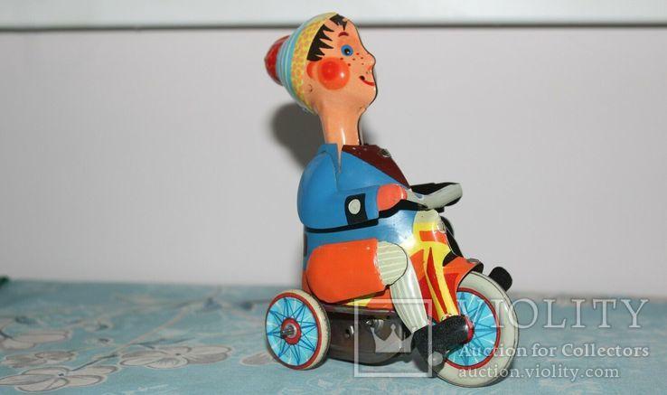 Заводная игрушка из жести: Мальчик на велосипеде, Фирма Kovap Чехословакия, фото №8