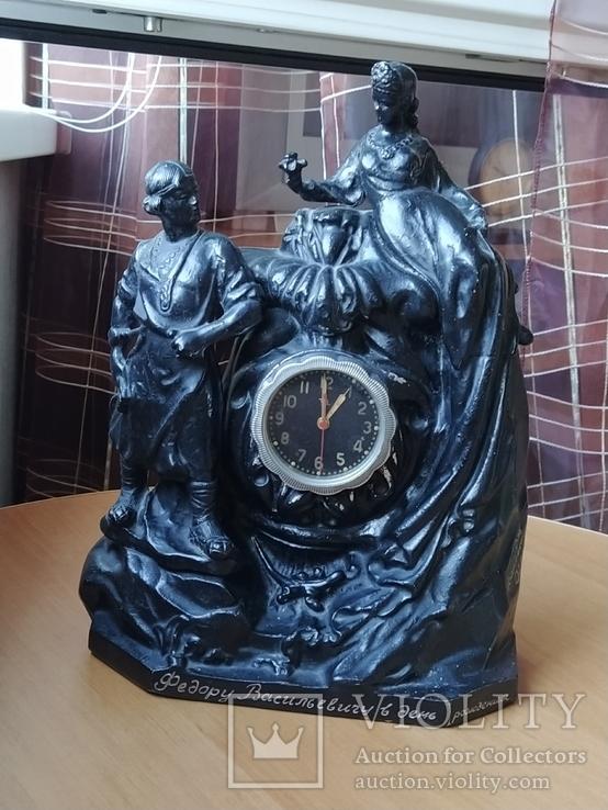 Часы каменный цветок