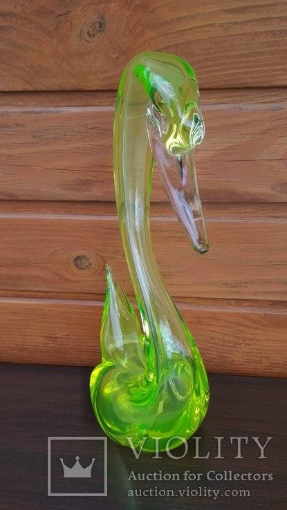 Большая фигура, лебедь, уранове стекло, фото №4