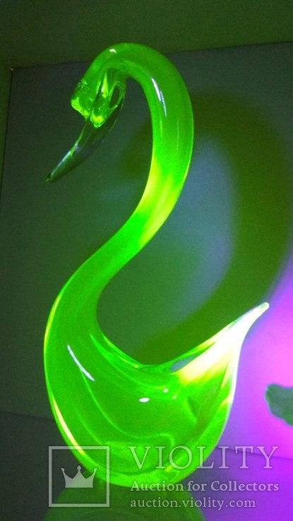 Большая фигура, лебедь, уранове стекло, фото №2