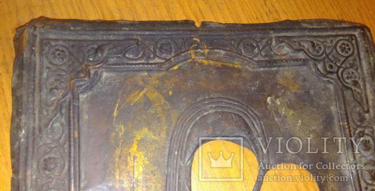 Рельефный латунный оклад на Тихвинскyю иконy Божией Матери 23х19см., фото №5