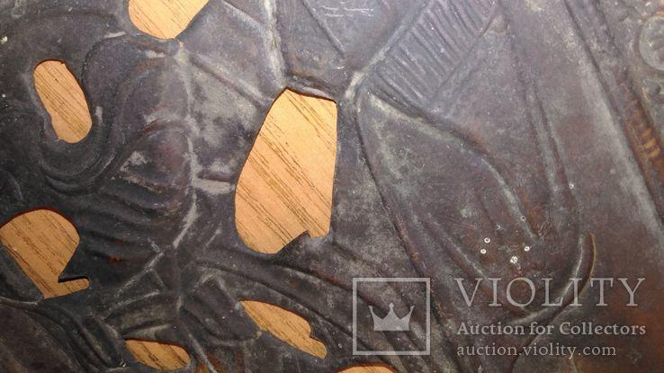 Рельефный латунный оклад на Тихвинскyю иконy Божией Матери 23х19см., фото №8