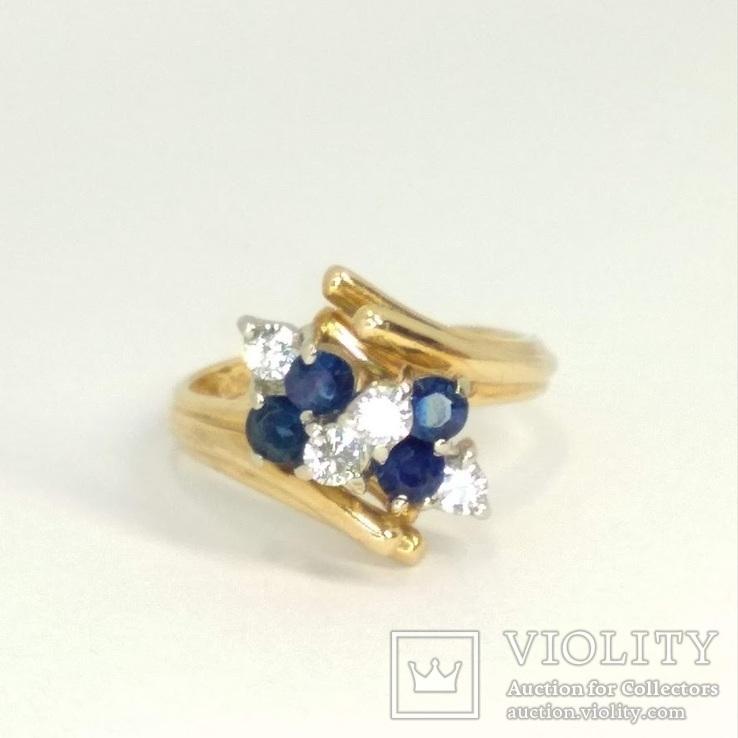 Винтажное золотое кольцо с натуральными сапфирами и бриллиантами