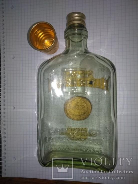 Бутылка NAPOLEON с рюмкой, фото №2