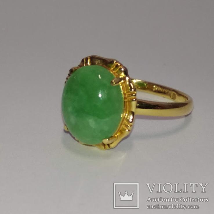 Винтажное золотое кольцо с натуральным нефритом