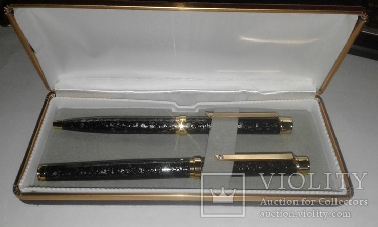 Ручки в кожаному футлярі з камінцем, фото №2