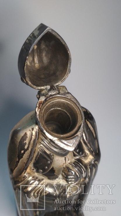 Старинная бензиновая зажигалка, рыцарь., фото №6