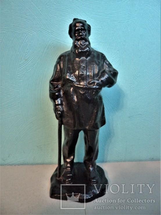 Скульптура Лев Толстой с тростью. Куса 1980 г