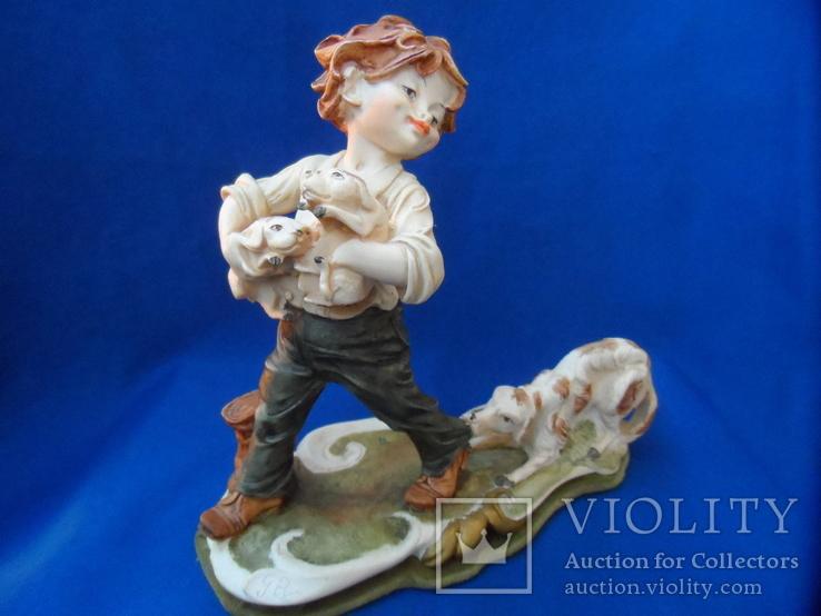 Композиция Мальчик забирает щенков клейма Германия, фото №2