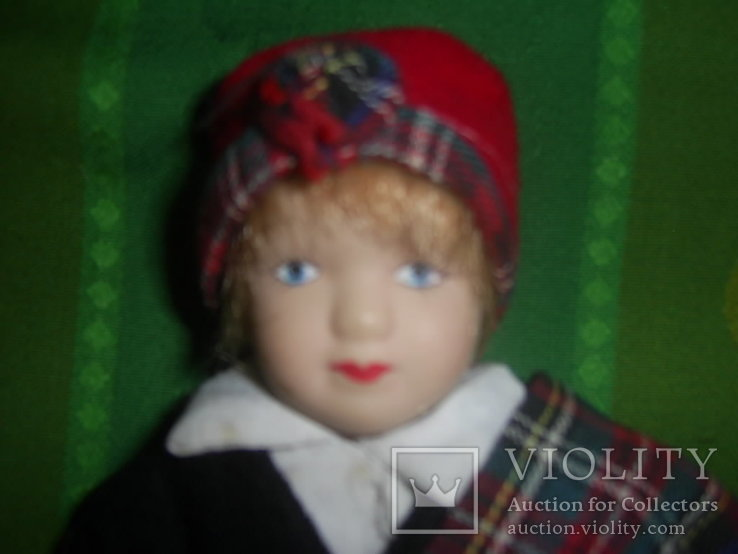 Кукла фарфоровая в национальном костюме Шотландка 21 см, фото №3