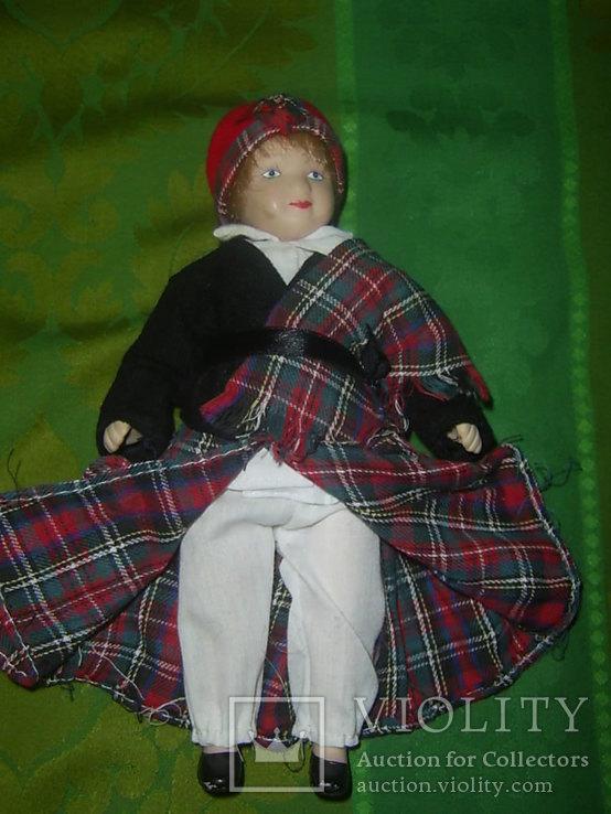 Кукла фарфоровая в национальном костюме Шотландка 21 см, фото №5