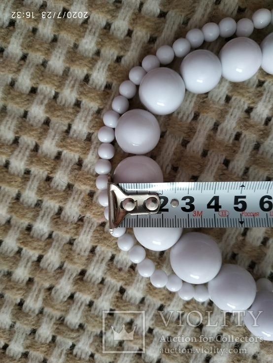 Белые бусы пластиковые, фото №4