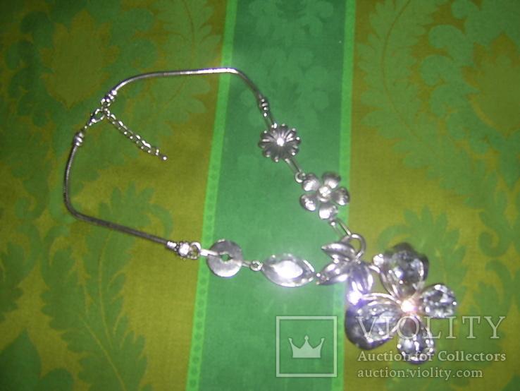 Колье из хрустального стекла и металла в виде бабочки, фото №2