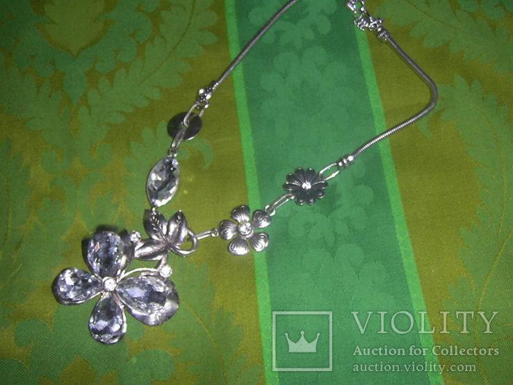 Колье из хрустального стекла и металла в виде бабочки, фото №5