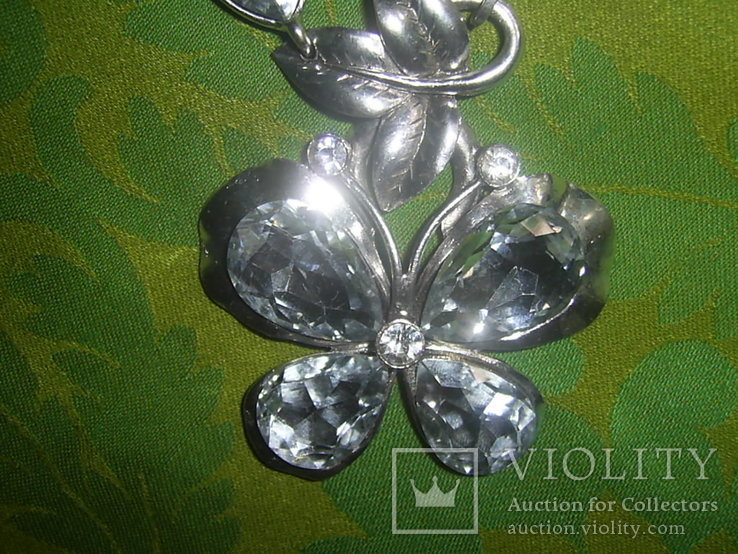 Колье из хрустального стекла и металла в виде бабочки, фото №6