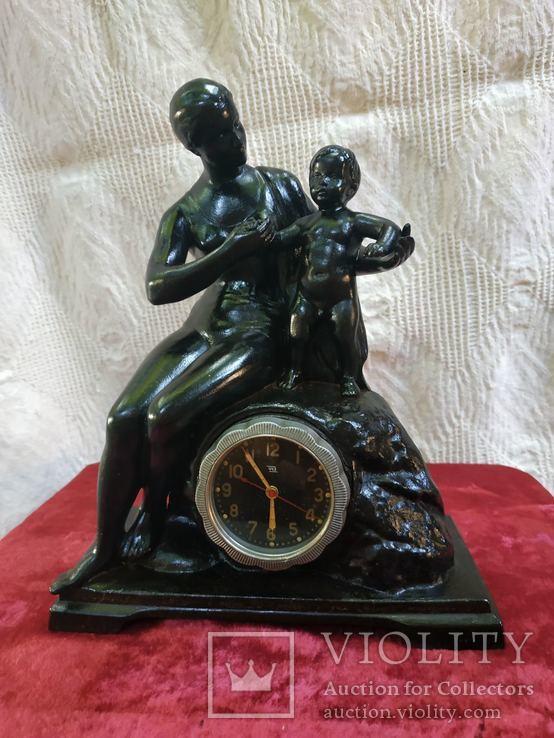 Чугунные часы