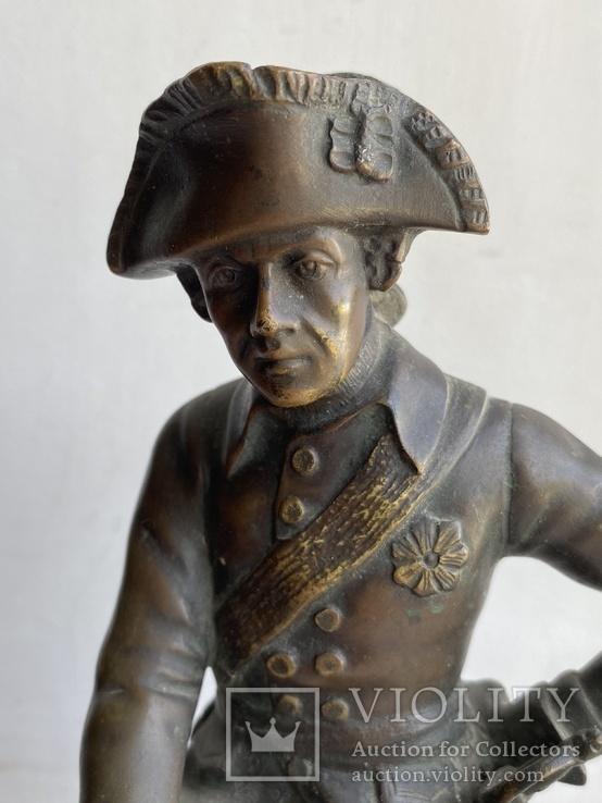 Бронзовая скульптура военного. Европа, фото №3