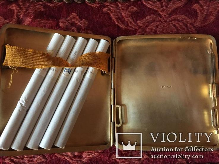 Серебряный портсигар. серебро 800 монограмма F Z. и ЛЕВ. вес-94,4 гр. позолота внутри., фото №2