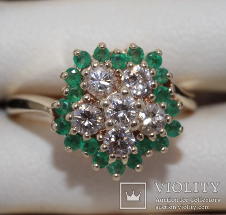 Кольцо с бриллиантами-0,70 ct и изумрудами