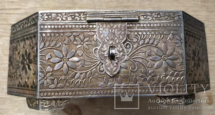 Серебряная шкатулка с флоральным декором., фото №4