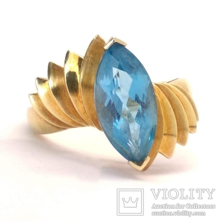 Винтажное золотое кольцо с натуральным топазом