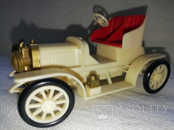 Ретро автомобиль, фото №2
