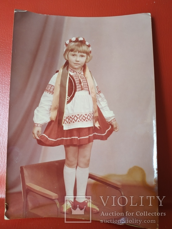 Девочка в костюме, фото №2