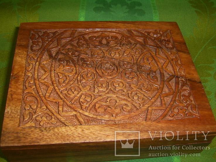 Шкатулка-папиросница с ручной резьбой из ценных пород дерева, фото №4