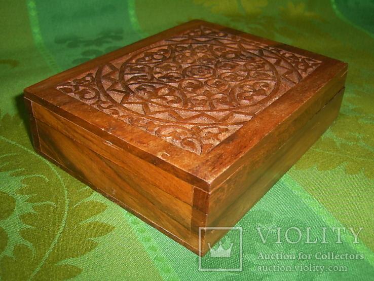 Шкатулка-папиросница с ручной резьбой из ценных пород дерева, фото №2