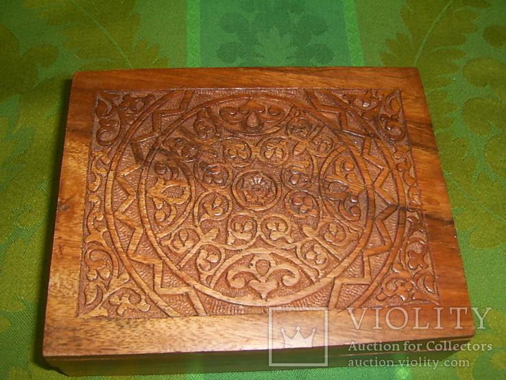 Шкатулка-папиросница с ручной резьбой из ценных пород дерева, фото №9