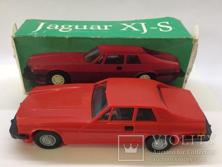 Машинка модель Ягуар XJ - S 1:25 инерционная, фото №2
