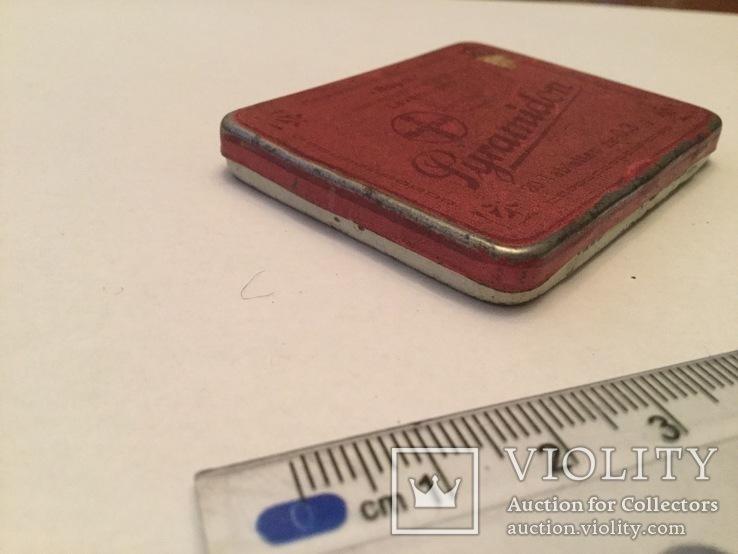 Старинная 1945 г. Металлическая таблетница от пирамидона, фото №3