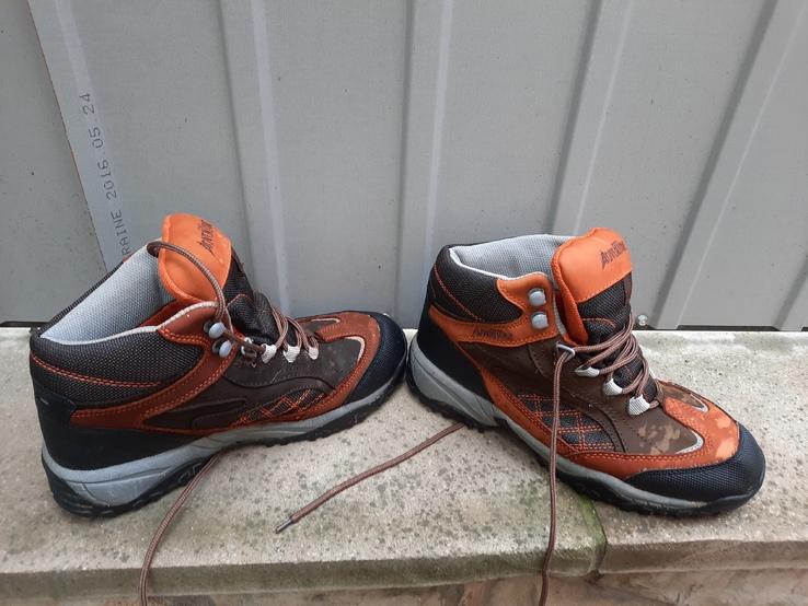 Чоловічі підросткові  черевики.