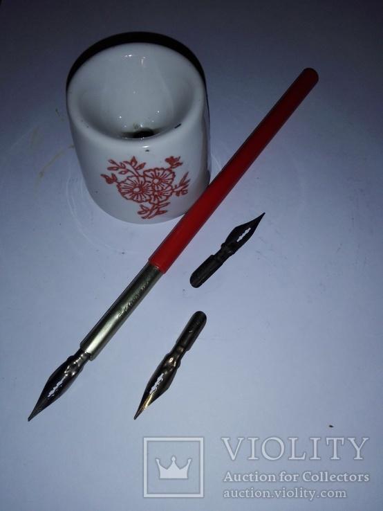 Ручка перьевая с перьями и чернильницей СССР, фото №2