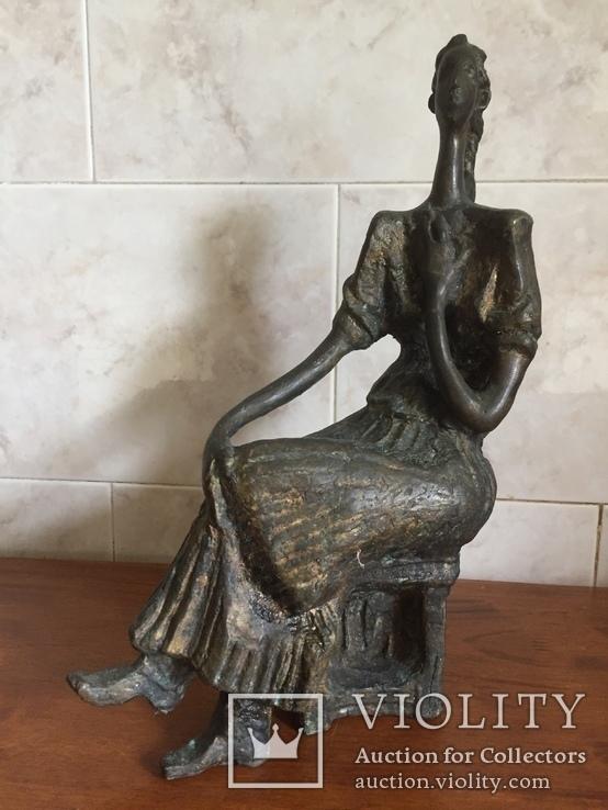 «Дама на стуле». Произведение скульптора Владимира Лемпорта, фото №2