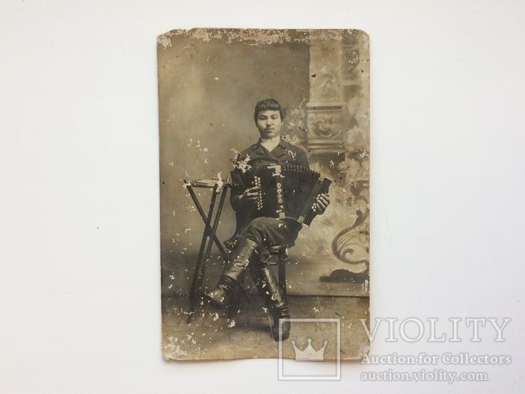 Николай Харитонович Балобан с гармошкой, фото №2
