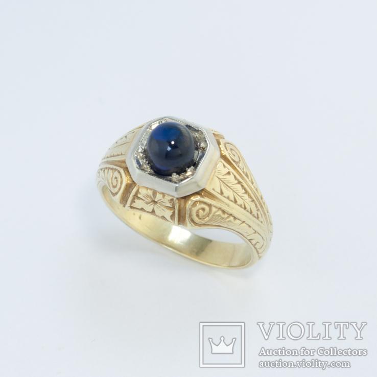 Золотое кольцо с цветочным орнаментом