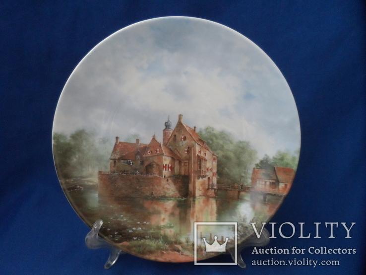 Коллекционная  настенная тарелка Wehrhaftes Vischering Фарфор Номерная   Германия 1988