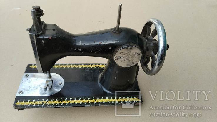 Маленькая швейная машина, фото №3