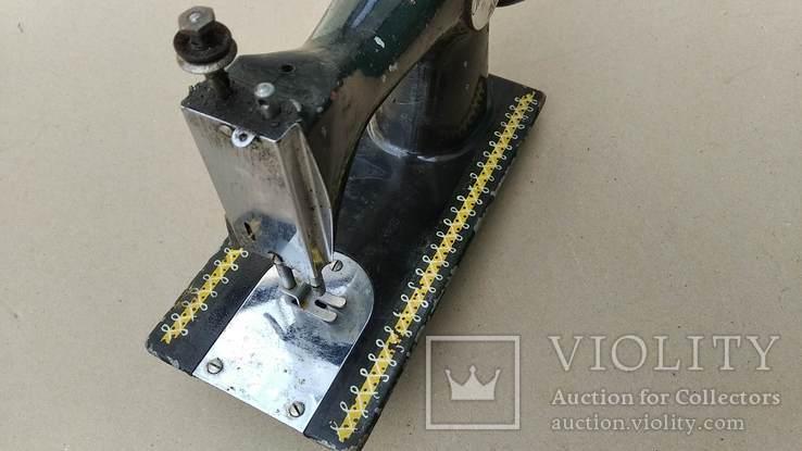 Маленькая швейная машина, фото №6