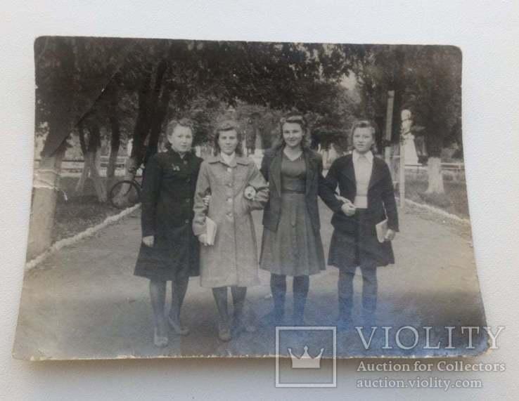 Фотография Девушки г.Знаменка  в парке 1949г., фото №2