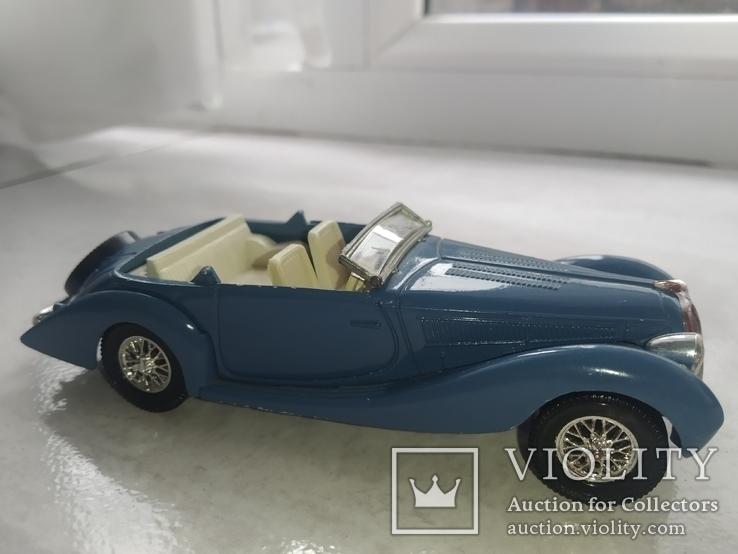 Модель ретро автомобиля (кабриолет), фото №2