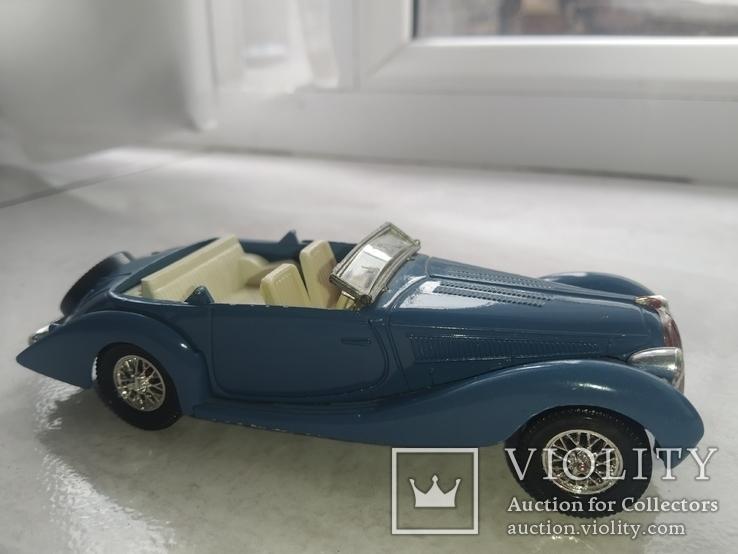 Модель ретро автомобиля (кабриолет), фото №3